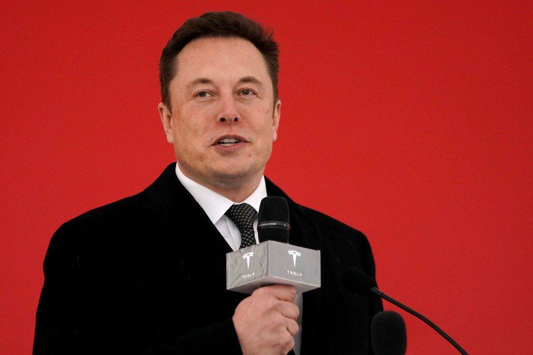 特斯拉執行長馬斯克表示,上海廠年底每周產量可望達2,000輛(圖/路透)
