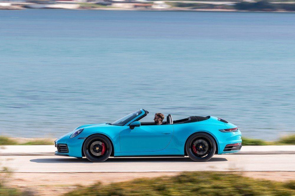 汽車輕化成為主流,全新Porsche 911 Cabriolet車身擁有更多樣化...