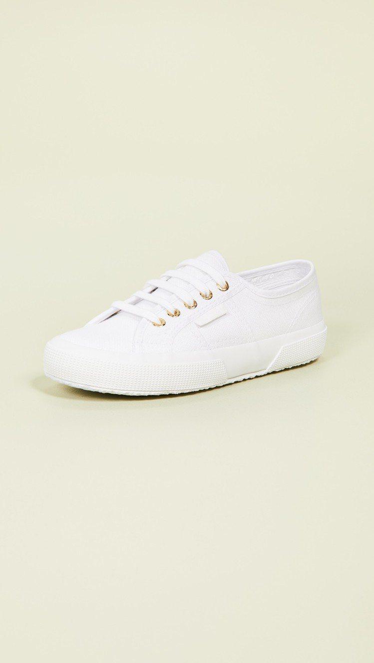 Superga 2750 Cotu經典運動鞋,售價65美元、約合台幣2,010元...