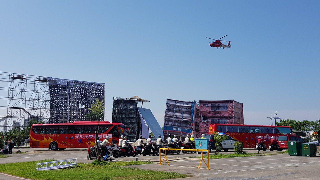 新竹市歷年來最大規模的民安5號演習,出動空中勤務總隊直升機勘災及後送急重症患者。...