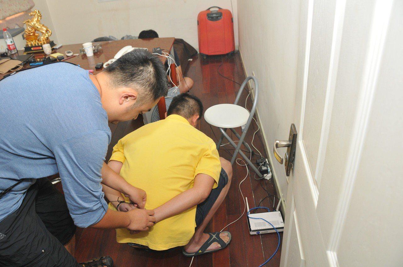 台灣人跨境詐騙在陸遭逮捕判刑已非頭一遭。(中新社資料照片)