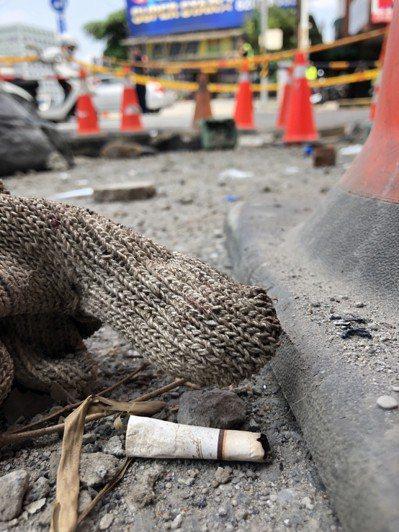 新北市板橋區篤行路三段上午8點52分發生ㄧ起涵洞施工疑似有可燃氣體發生爆炸,造成...