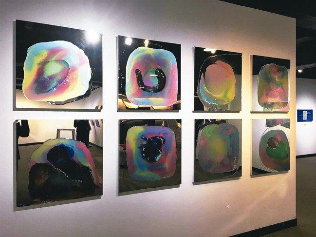 台北新藝博展場配置與設計,每一展位就是一位藝術家個展。 圖/台北新藝術博覽會提供