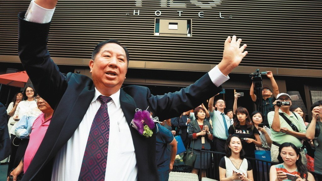 圖為2017年京城建設董事長蔡天贊在高雄開設新飯店。 記者劉學聖/攝影