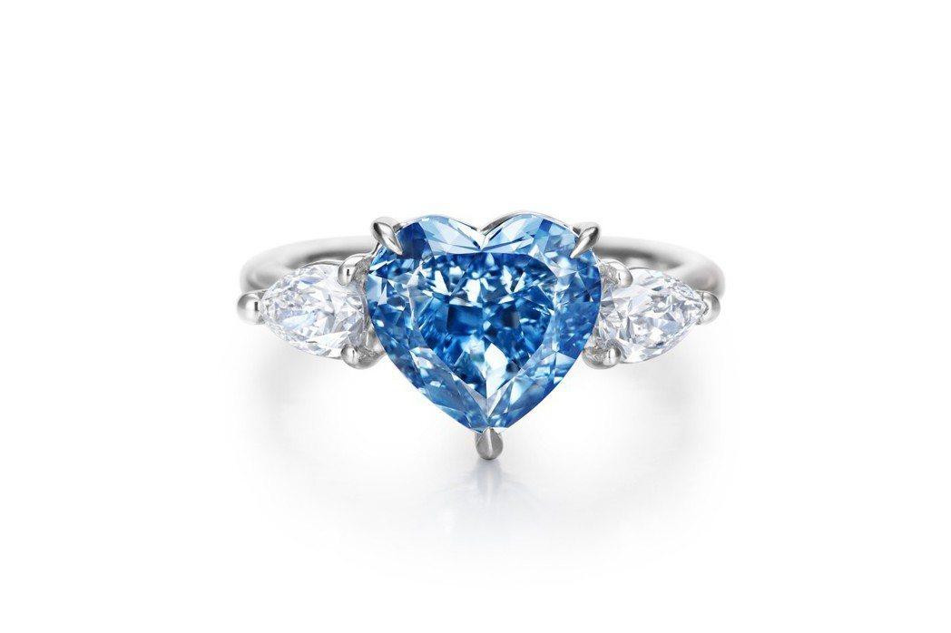 總重超過3克拉,「市場最大」的心型車工艷彩(Fancy Vivid)藍鑽,其高淨...