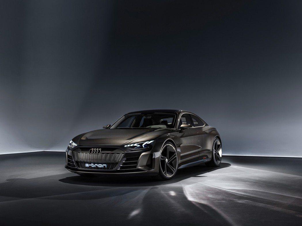 Audi e-tron GT Concept綜效馬力可輸出590hp! 摘自Au...