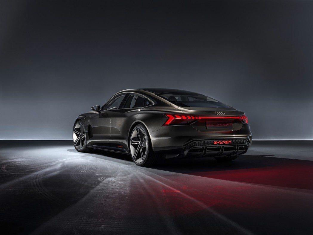 Audi e-tron GT Concept在《復仇者聯盟:終局之戰》 (Ave...