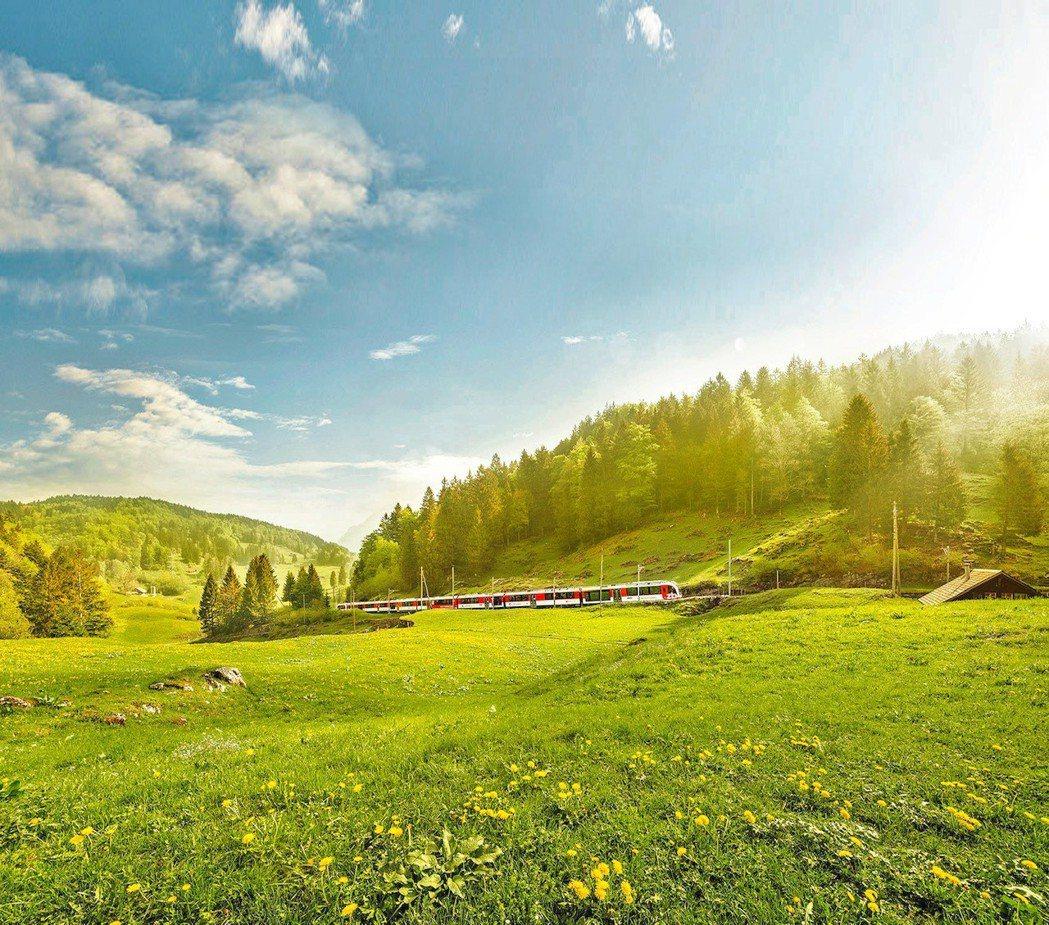 說到瑞士,大多會聯想到阿爾卑斯山的沿途山水景色,然而瑞士其實也是名副其實的溫泉勝...