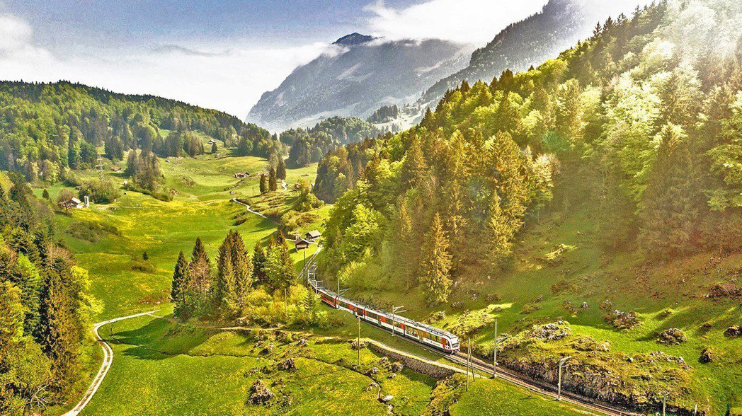 瑞士溫泉歷史悠遠,許多名人雅士都曾至此體驗。瑞士旅遊局/提供