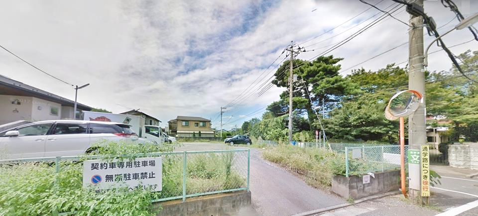 一名網友在日本開車旅遊時,看到有台灣人把租來的車占用超商停車格大半天,讓他覺得超...