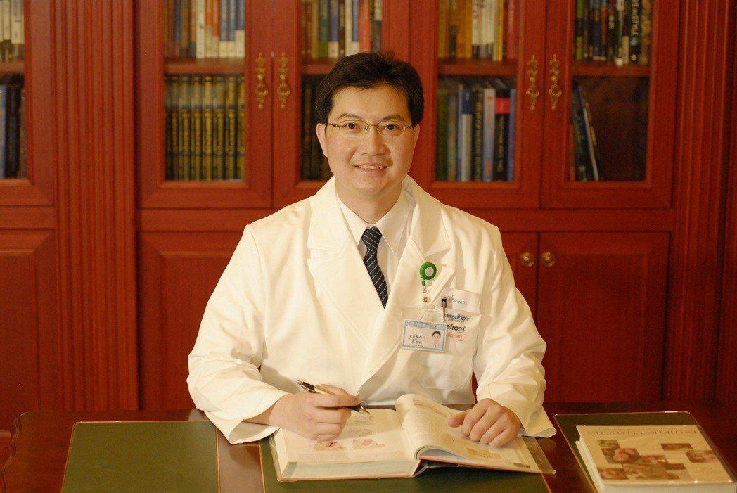 漢諾威家庭醫學科診所院長李彥明醫師說,「戒菸不該單打獨鬥。只要耐心每週固定回診,...