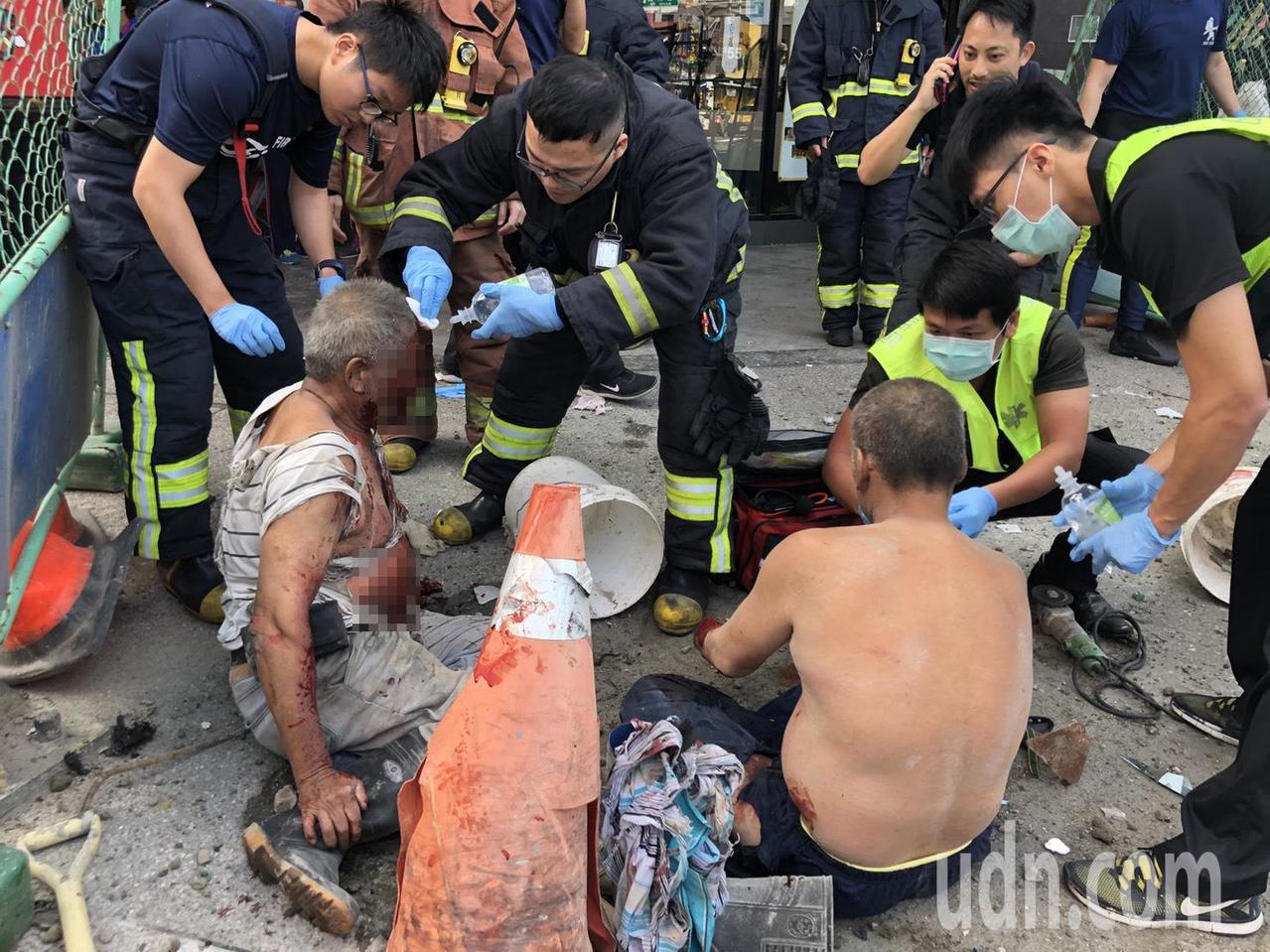 新北市板橋區篤行路三段上午發生氣爆,造成3名施工人員受傷送醫。記者王騰毅/攝影