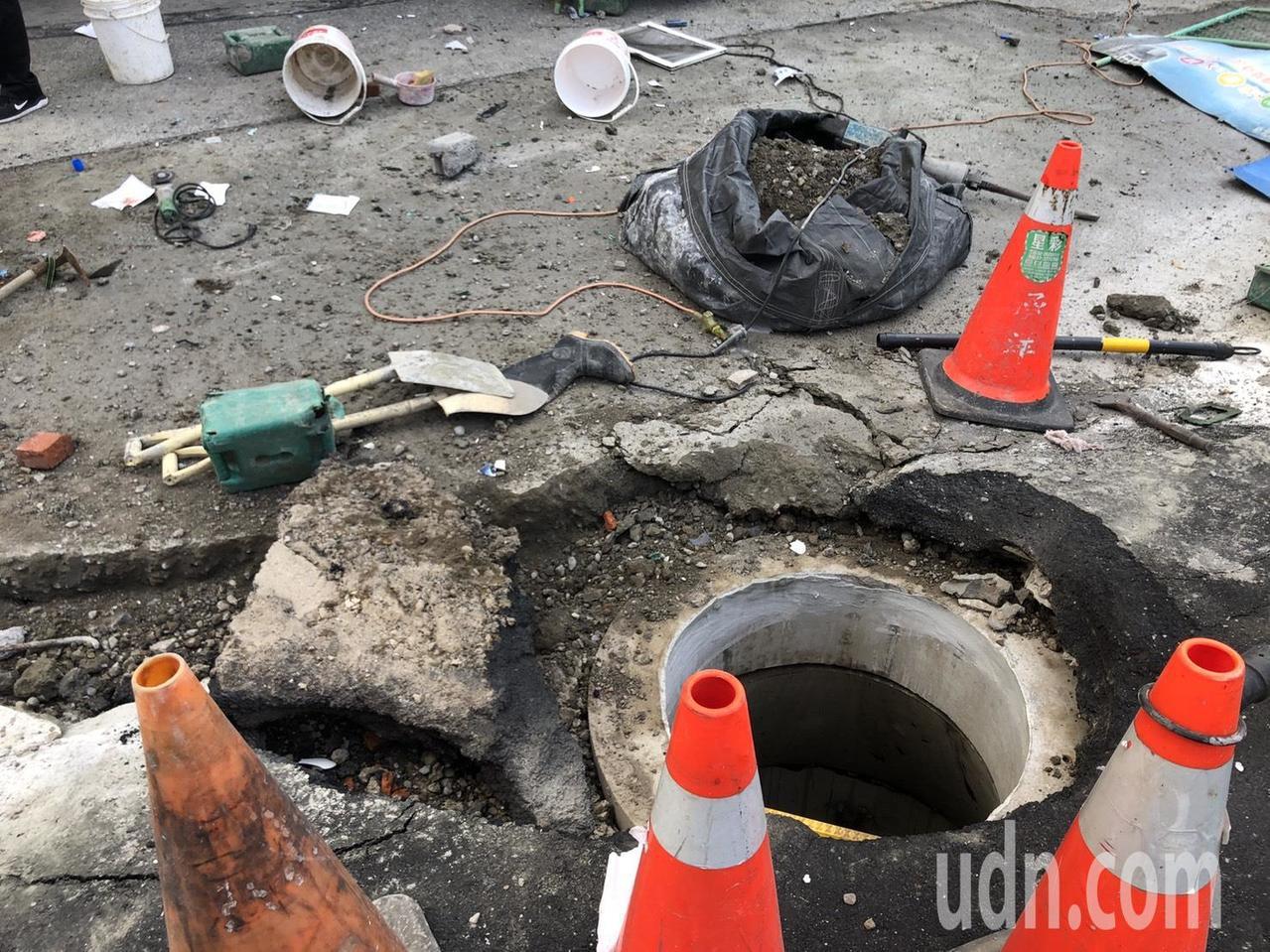 涵洞施工疑似有可燃氣體發生爆炸,現場人員在洞裡有測得甲烷。記者王騰毅/攝影