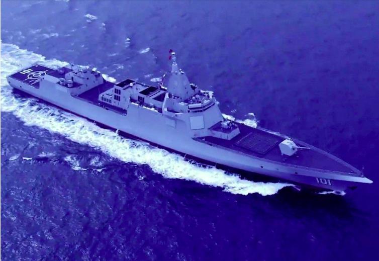 中共海軍公布的最新055型驅逐艦「南昌號」航行空拍圖。(中共海軍)