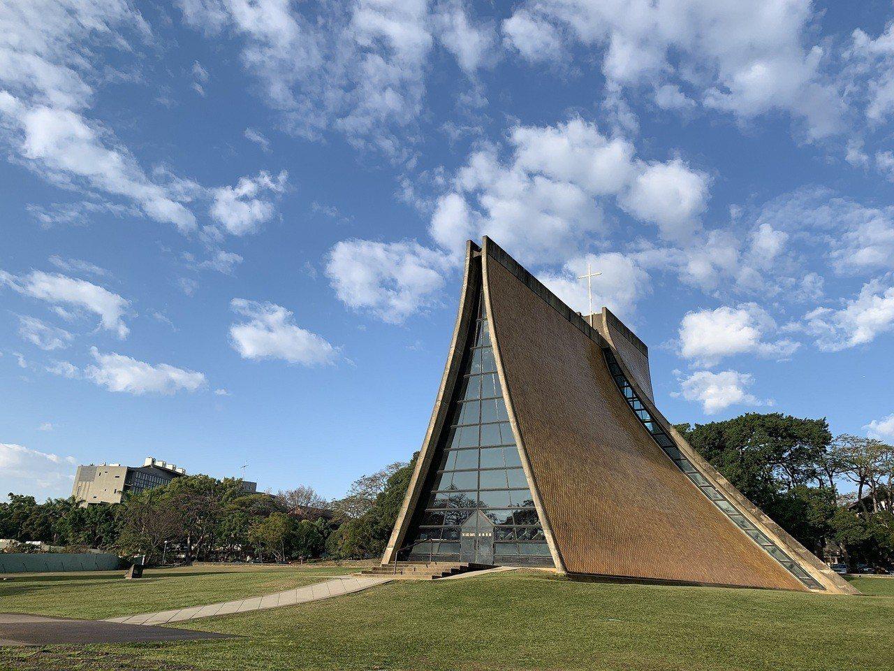 路思義教堂是東海大學的地標與精神堡壘,榮登20世紀全球十大優美建築殊榮,2019...