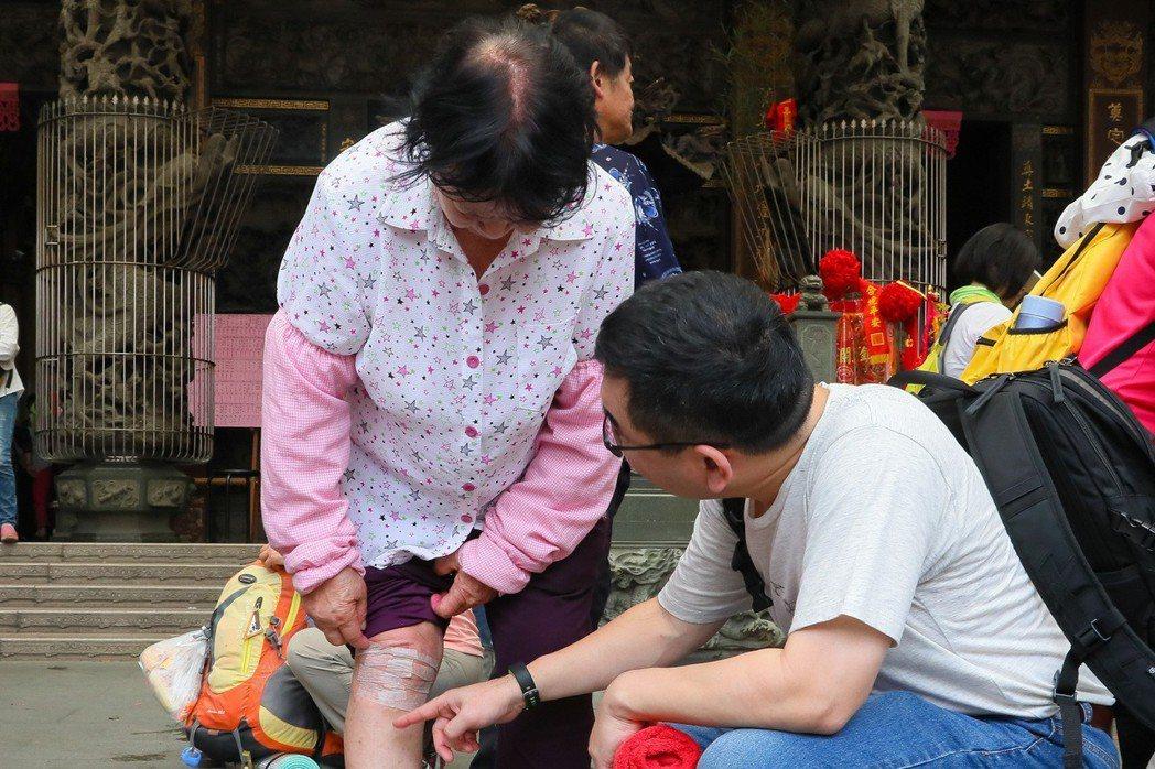 76歲的劉姓阿嬤,膝蓋僅有內側受損,適合置換半膝關節。圖/張毓翰提供