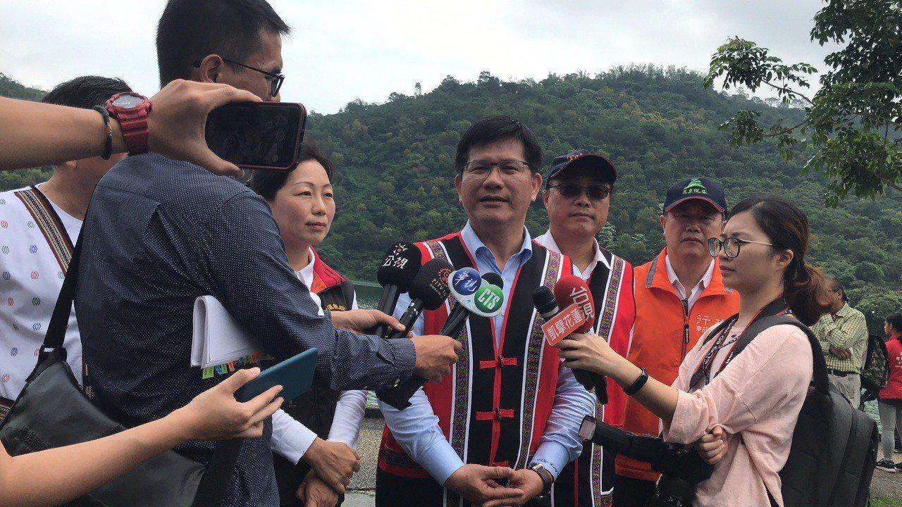 交通部長林佳龍上午在花蓮宣布,因應地震影響花蓮觀光,花蓮的春遊團體補助額度再加碼...