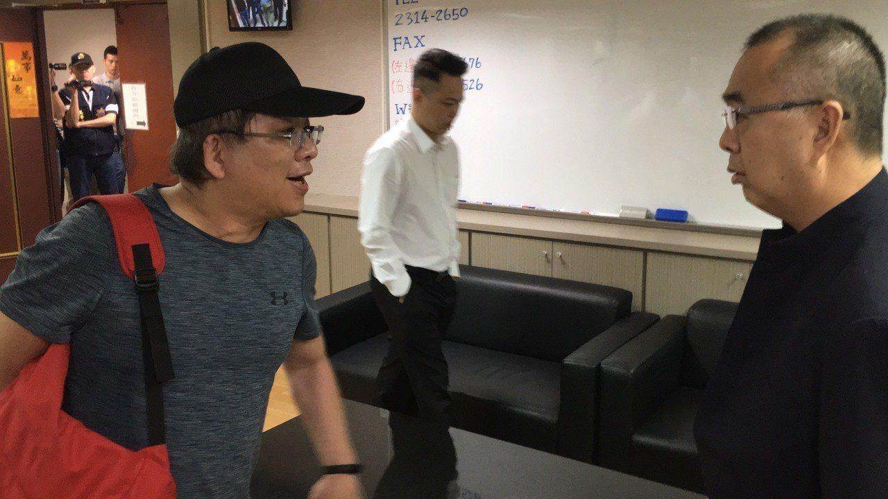 徐豪雄(左)與呂自修首次公開當面對質。記者李隆揆/攝影