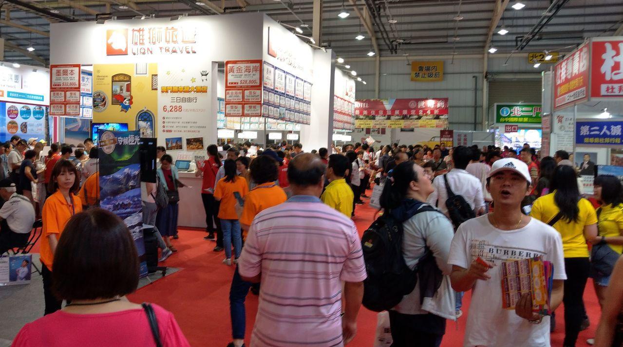 台中國際旅展今天熱鬧登場,搶攻暑假親子遊商機。記者趙容萱/攝影