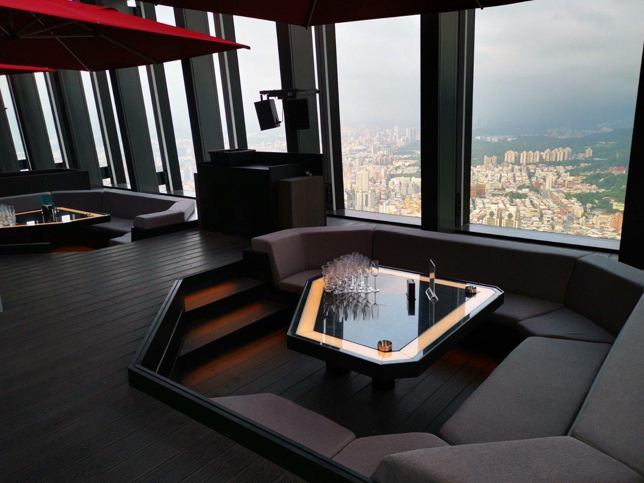 CÉ LA VI Taipei可俯瞰台北市,視野極佳。記者韓化宇/攝影