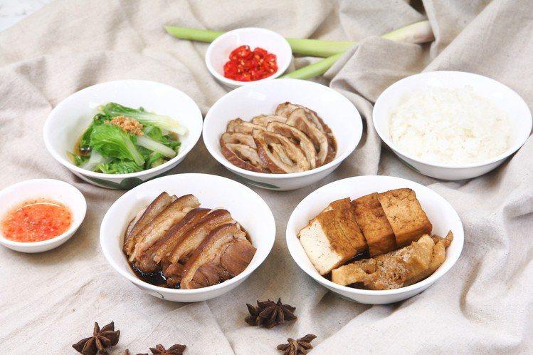 加價149元的好吃全包方案,可品嚐到滷豬手或滷大腸頭,加上滷豆腐花干、蒜香鮮蔬與...
