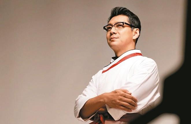 「飲食男女」音樂劇舞台,由聶雲飾演當年的「老朱」。 圖/聯合數位文創提供