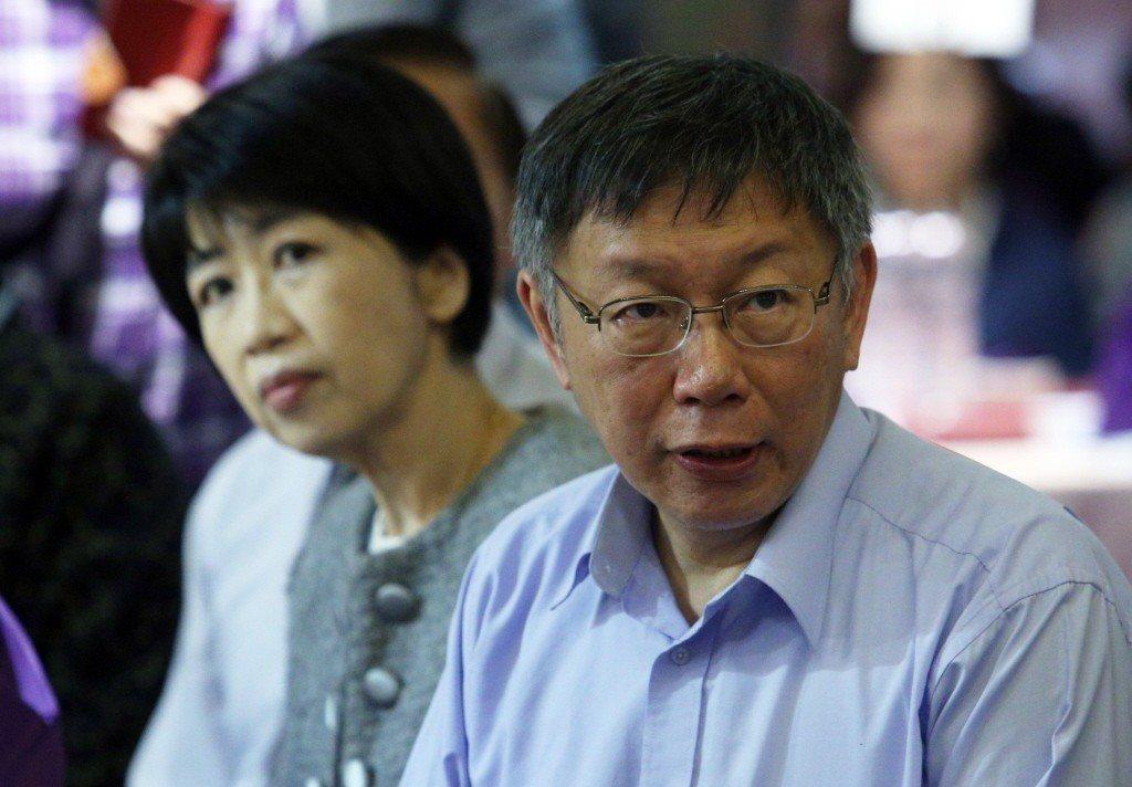 台北市長柯文哲(右)與夫人陳佩琪(左)。 記者劉學聖/攝影