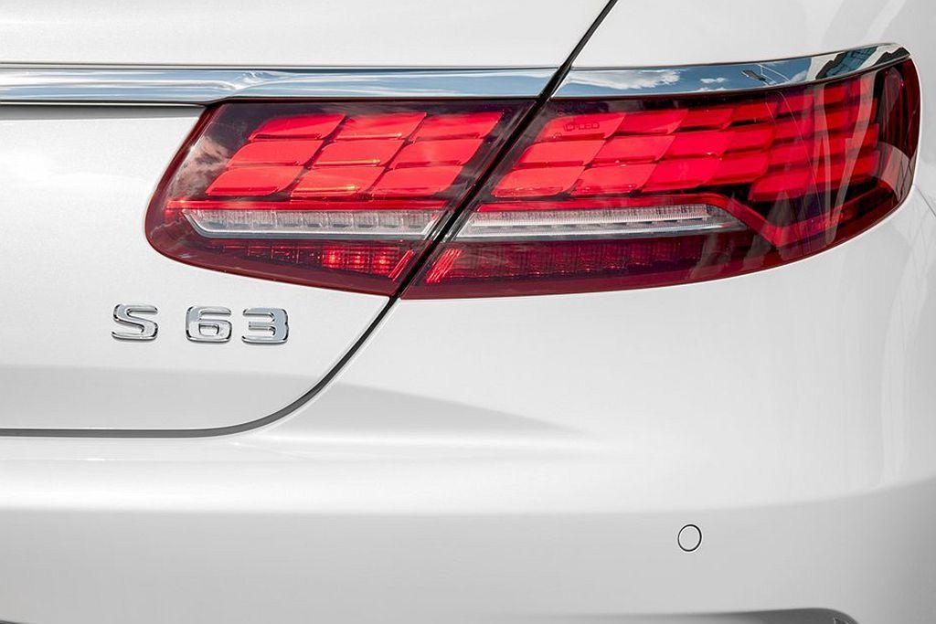V8引擎的強悍性能也結合Mercedes-Benz各個房車家族的實用性,打造出最...