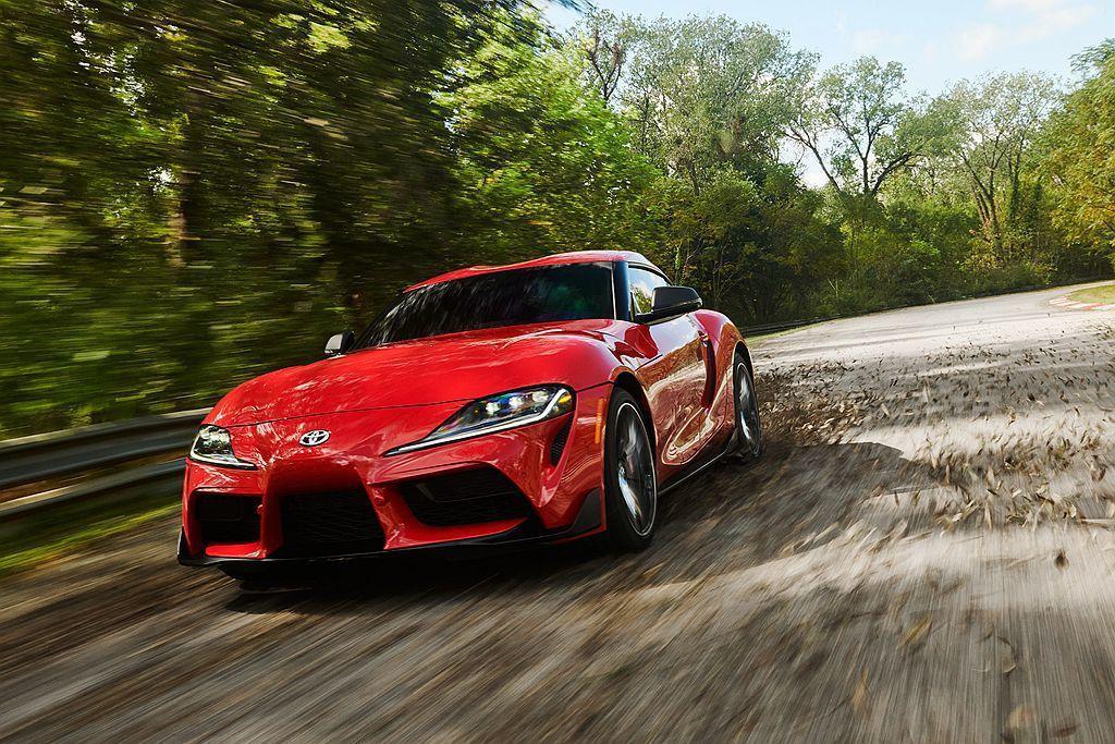 美規新Toyota Supra搭載3.0L直列六缸渦輪增壓引擎,可提供340ps...