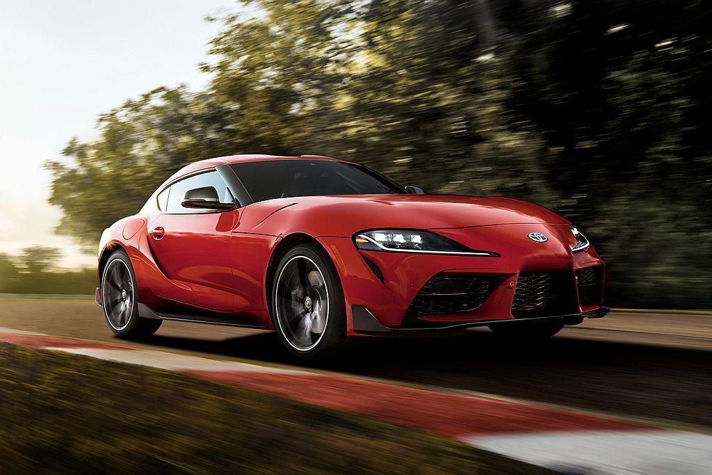 Toyota當家性能跑車Supra將在今年夏天起開賣,其中美規車型僅提供單一六缸...