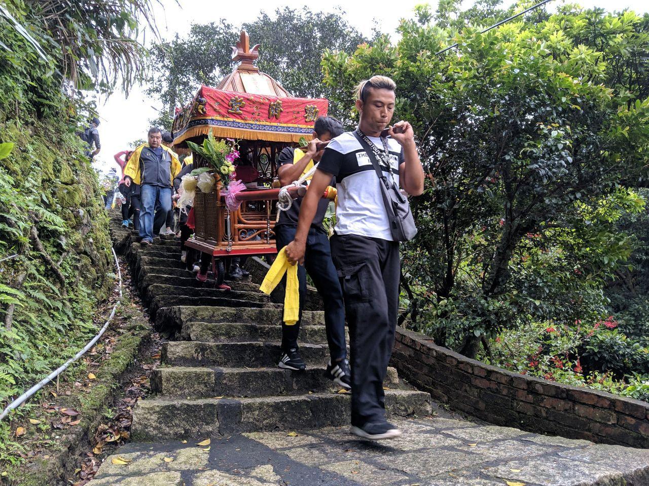 金瓜石是山區,「金瓜石迎媽祖」鑾轎會經過上上下下階梯。圖/新北市立黃金博物館提供