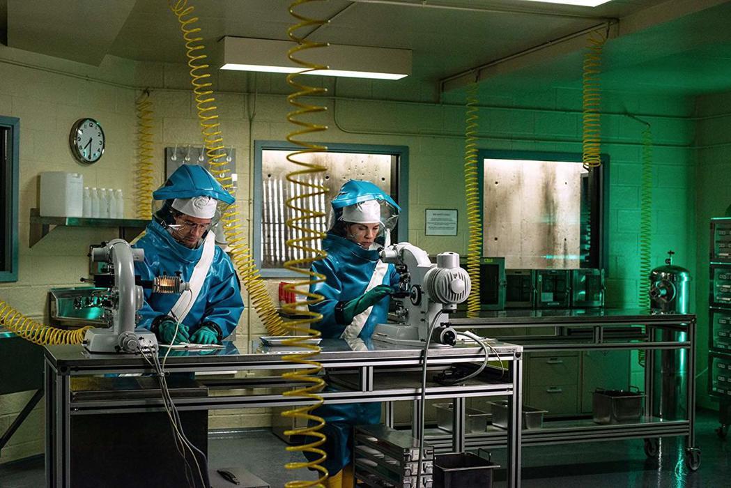 「伊波拉浩劫」背後有一段籌備超過20多年的曲折過程。圖/摘自imdb