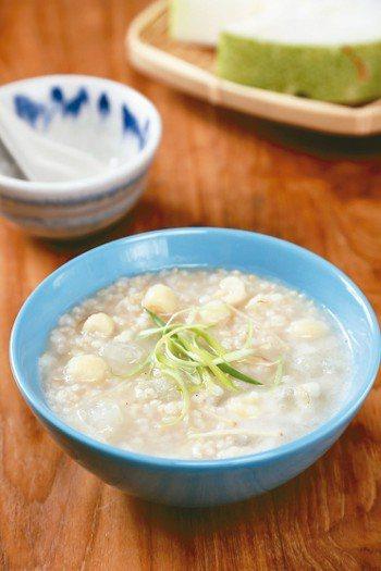 清熱蓮子冬瓜粥 圖╱摘自《365日日食材&藥膳事典》