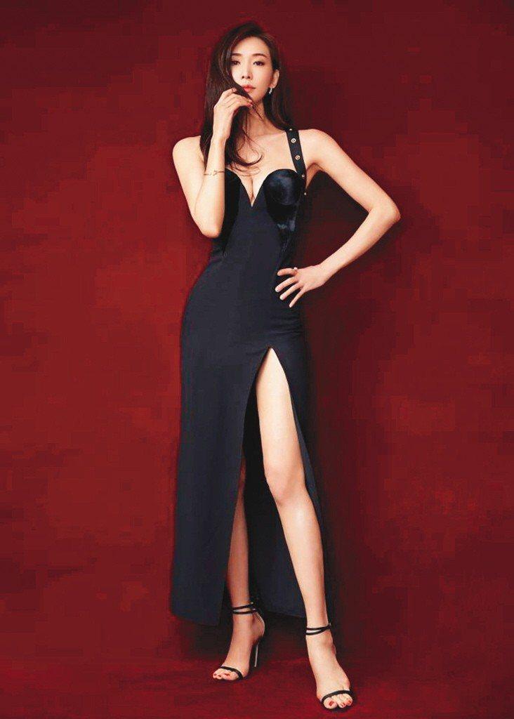 第一名模林志玲有修長美腿。 圖/摘自林志玲粉絲團