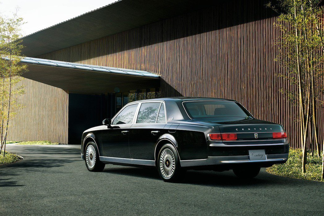 Toyota Century這款車只在日本販售,只接受頂級層峰買家訂購,買家須通...