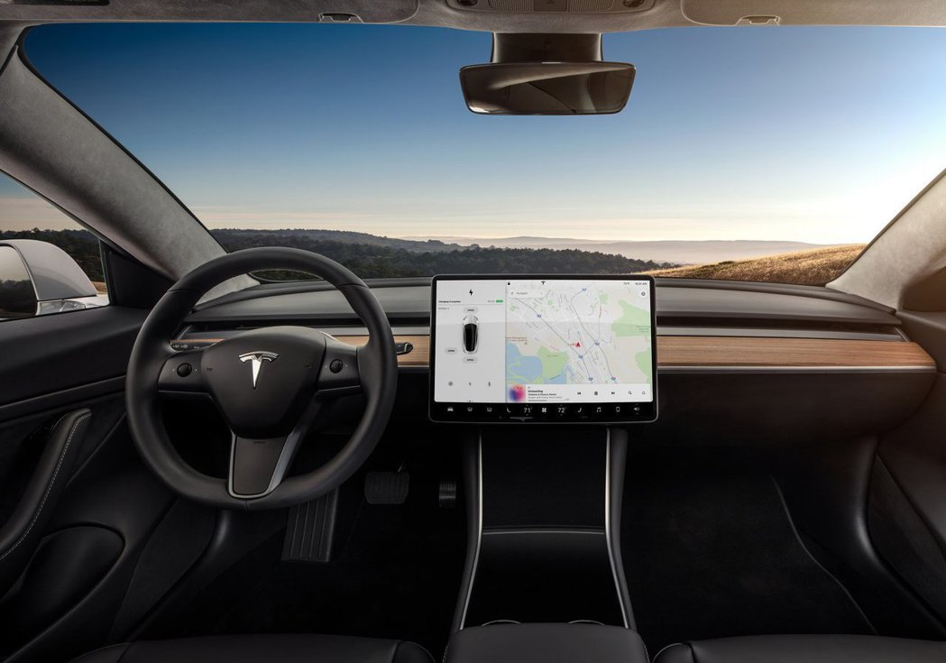 Tesla Model 3的內裝。 摘自Tesla