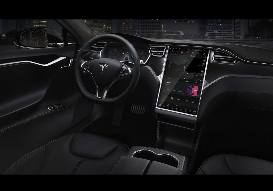 Tesla Model S大螢幕內裝。 摘自Tesla
