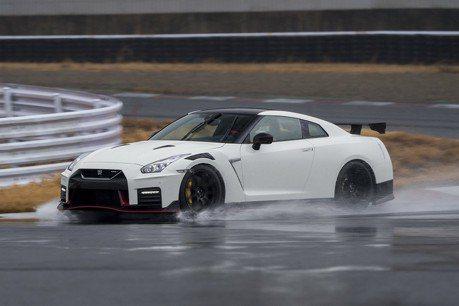 新世代Nissan GT-R將變油電?自動駕駛還能載人跑賽道?