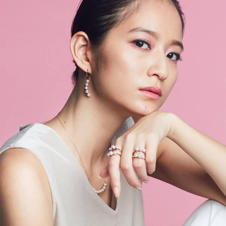 TASAKI認為這世上唯一能夠完美詮釋母性的就是珍珠,因應母親節的到來,所以推薦...