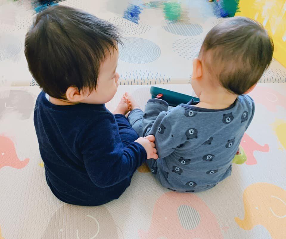 「Linda」廖語晴更新臉書,驚喜曝光雙胞胎兒子。圖/摘自臉書