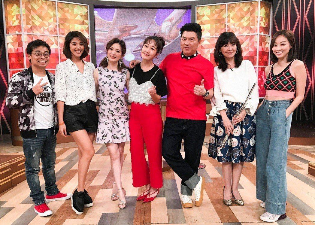 劉真(左)日前上衛視「一袋女王」。圖/衛視提供