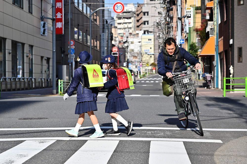 日本人口連年減少,少子化與高齡化問題相當嚴重。(法新社)