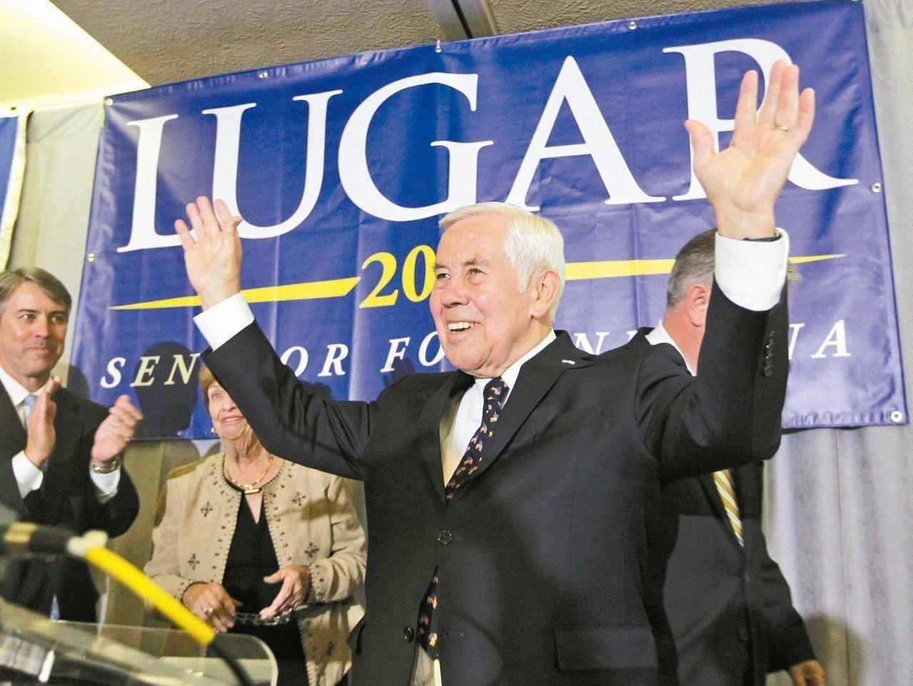 共和黨籍前聯邦參議員魯嘉28日辭世,享壽87歲。圖為2012年魯嘉參加競選活動。...