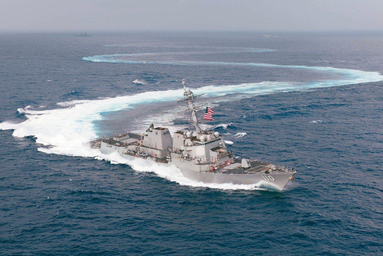 美國驅逐艦史塔森號和威廉勞倫斯號(見圖)28日穿越台灣海峽。圖為軍艦的資料照片。...