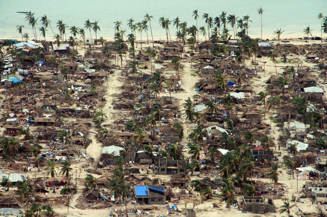 莫三比克3月中旬才遭遇印度洋強烈熱帶氣旋「伊達」(Ida)的侵襲,但超過1,00...