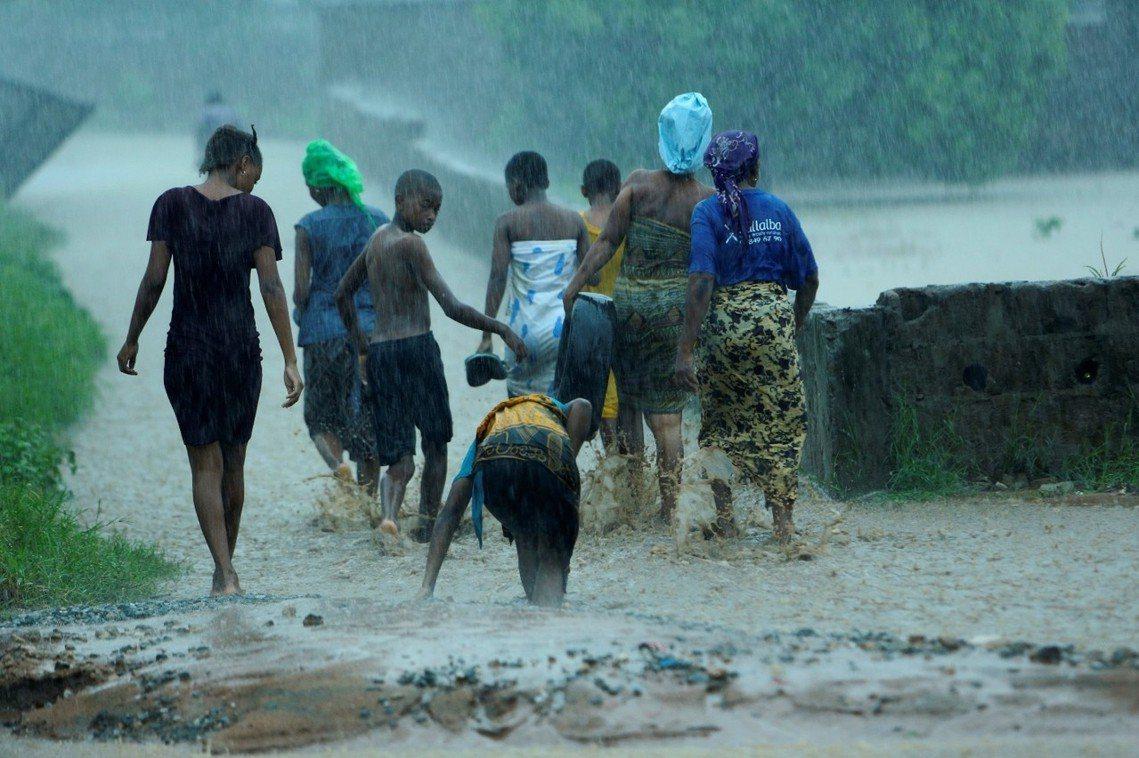 「在伊達風災後,莫三比克的中部災區目前至少還有180萬災民需要救援...但現在肯...
