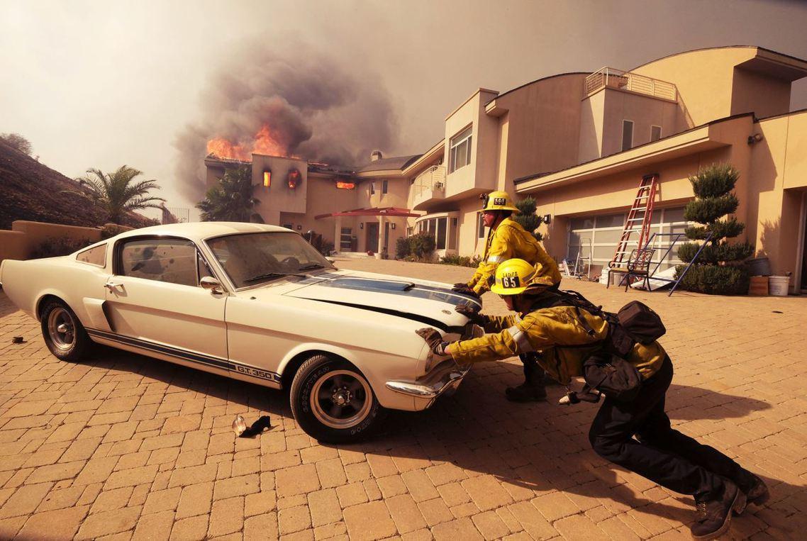 南加州的「希爾大火」(Hill Fire)與「伍爾西大火」(Woolsey Fi...