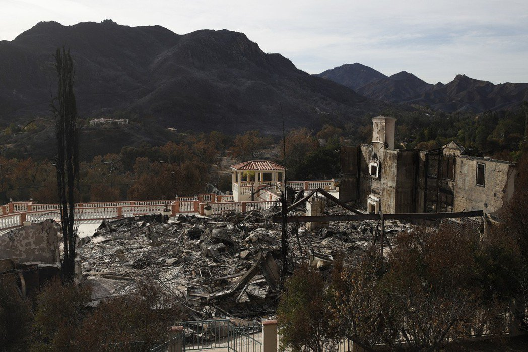 重新編制「火場直播員」,在火災前線隨同行動,並專職回報現場的即時災損與資訊觀察?...
