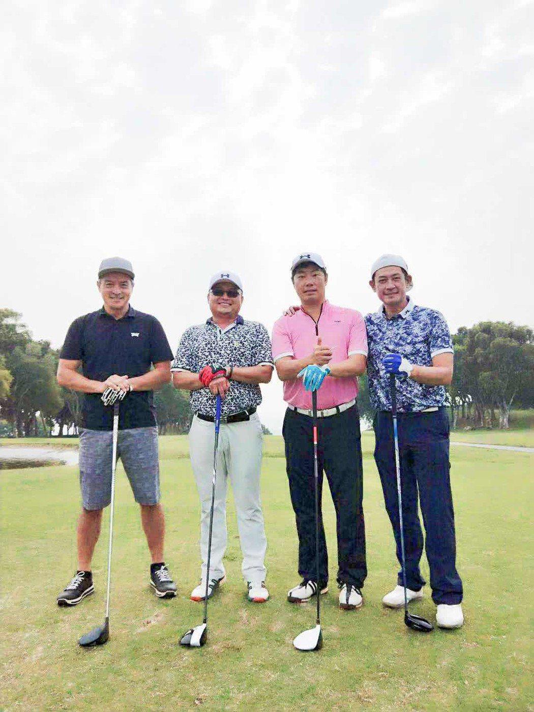 李銘順(左)來台拍戲,開心找到高爾夫球球友柯叔元(右)一起打球。圖/凱渥提供