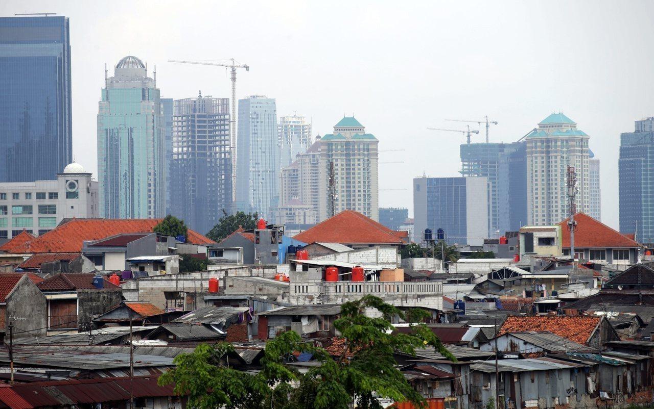 人口日益擁擠與海平面持續上升等問題,印尼將首都遷離雅加達已是刻不容緩之事。歐新社